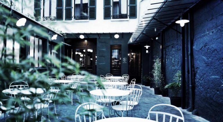 Hôtel des Carmes patio